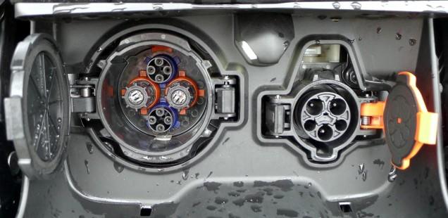 Ladebuchsen des Nissan Leaf