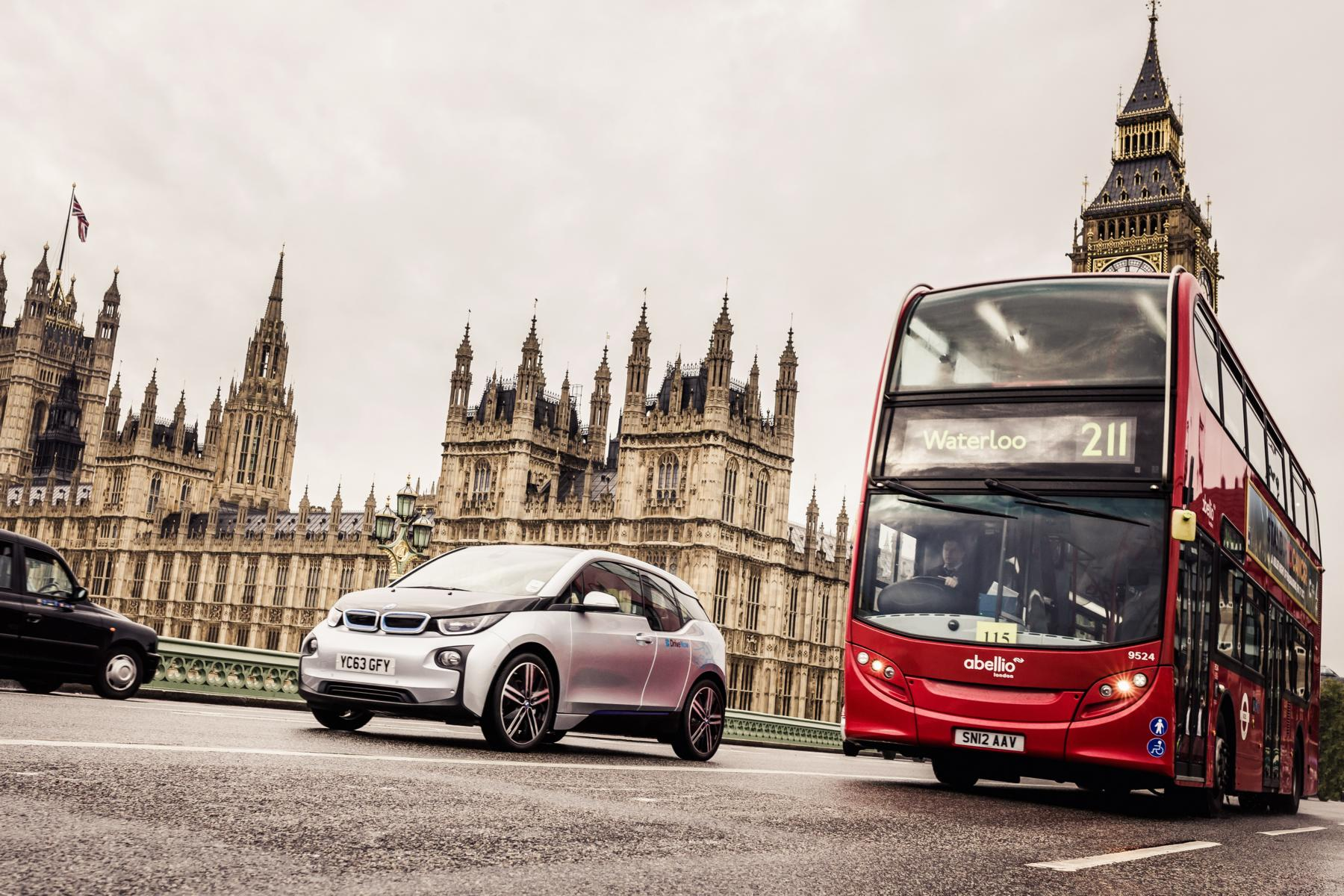 BMW i3 vor BigBen in London
